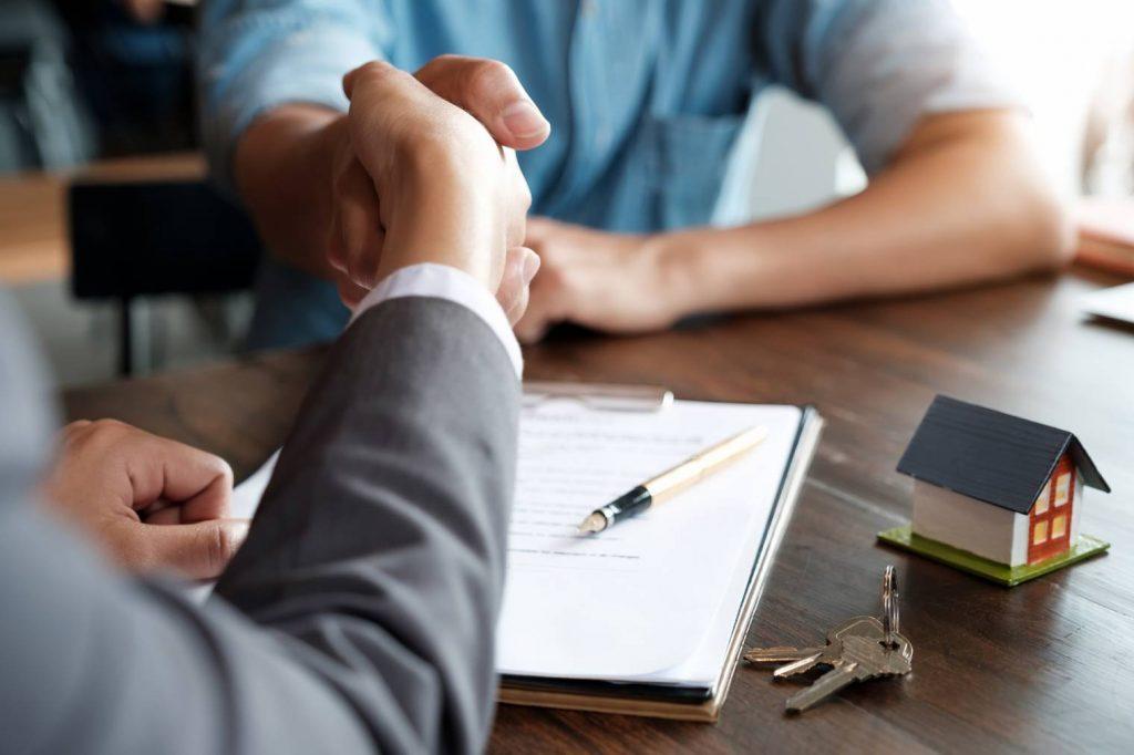 Définition de courtier immobilier : Qu'est-ce qu'un courtier immobilier ?