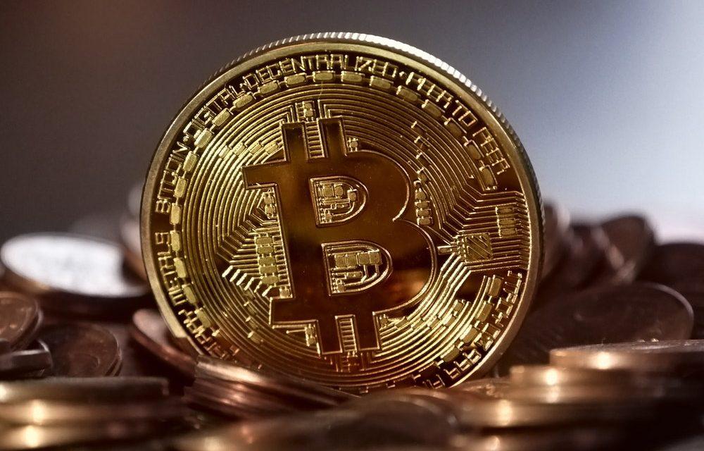 Le bitcoin passe sous la barre des 5 000 dollars