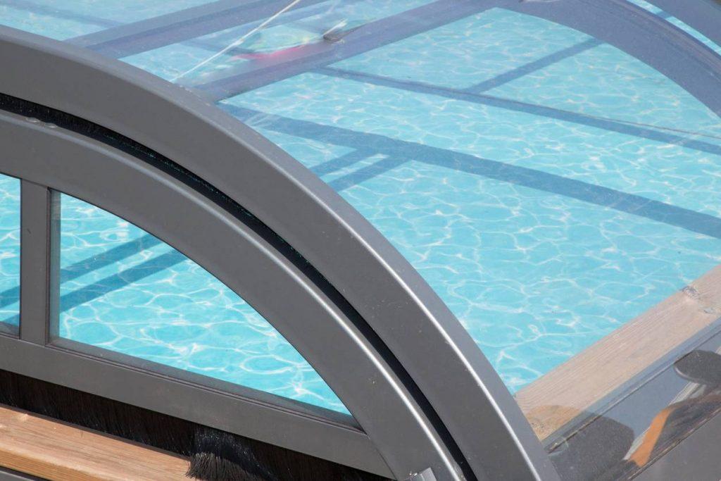 Chauffage piscine : les solutions pour se baigner toute l'année
