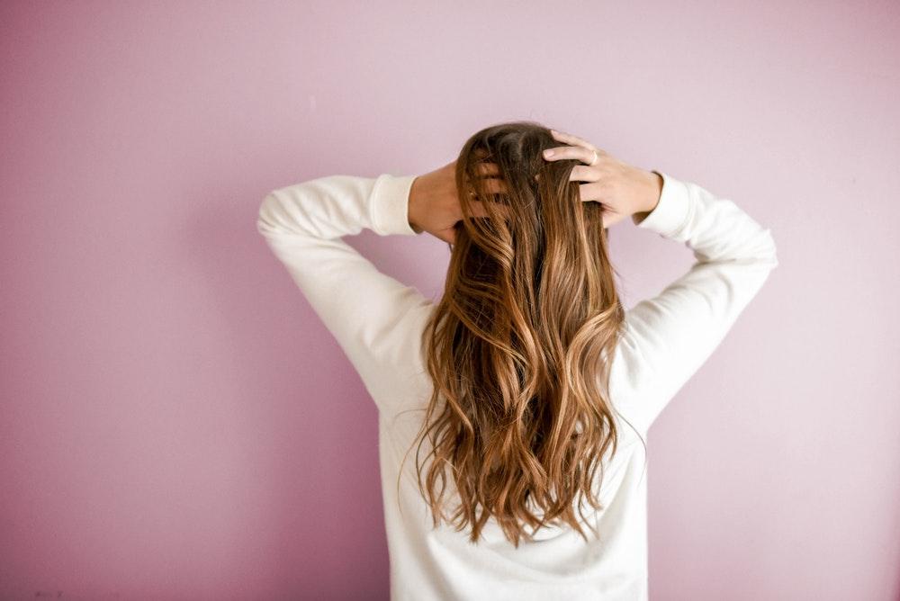 Comment prendre soin de ses cheveux au naturel ?