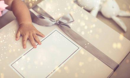Quel cadeau offrir à votre filleul(e) ?