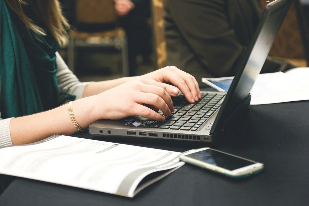 redacti Pack Office gratuit : Microsoft propose des offres gratuites et légales !on ecriture ordinateur