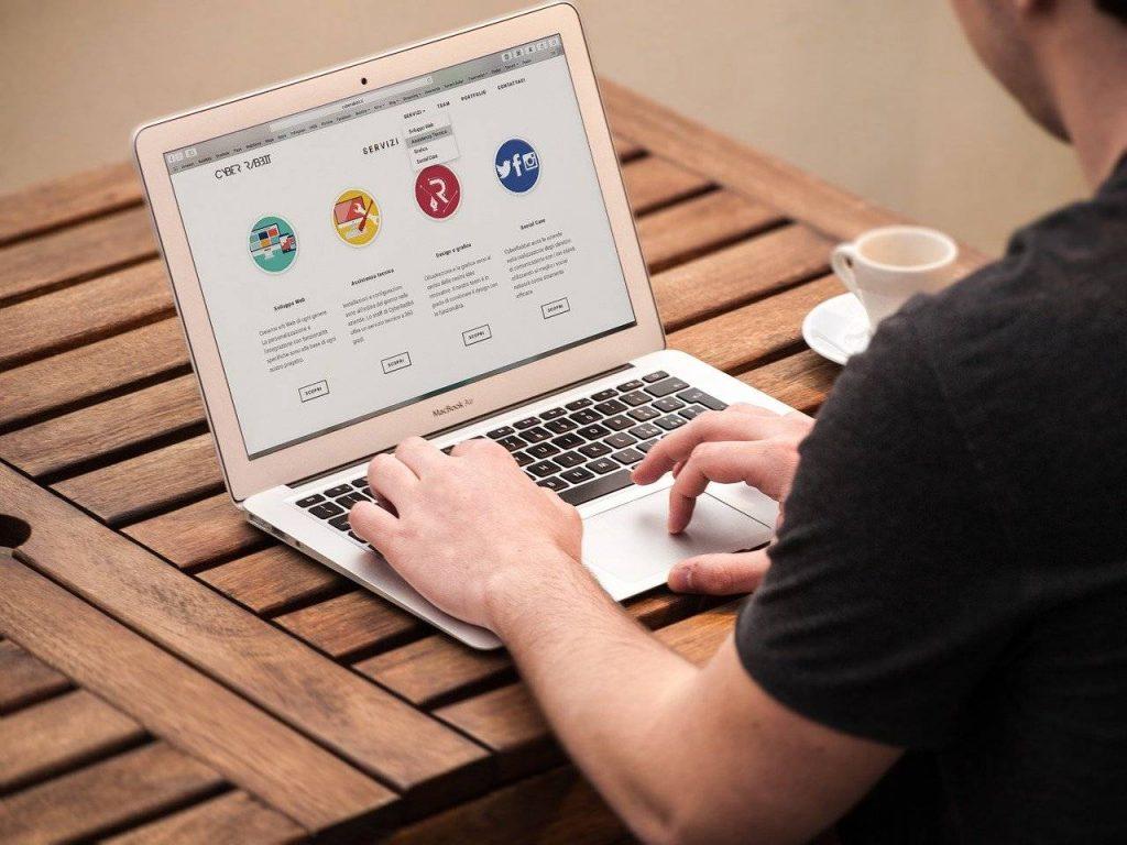 Site vitrine et site e-commerce : Les différences et avantages