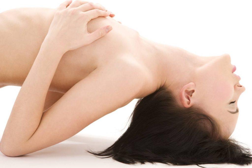 Ejaculation féminine / squirting  : Comment le devenir ? Mythe ou réalité ?