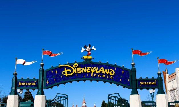 Combien de personnes visitent Disneyland Paris tous les jours ?