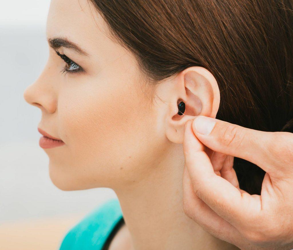 Choisir son appareil auditif : quelle prothèse auditive choisir ?